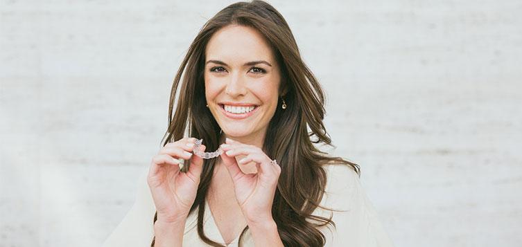 Ortodonzia invisibile: vantaggi e svantaggi